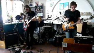 Shaking Godspeed Instore @ Bullit Eindhoven 29 april 2011