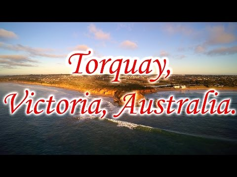 Sunny waves and fun surf at Torquay