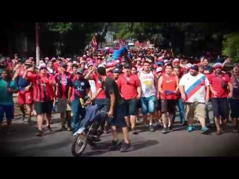 """""""La Mejor Hinchada del País"""" Barra: La Plaza y Comando • Club: Cerro Porteño • País: Paraguay"""