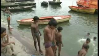 Смотреть онлайн Достопримечательности Индии. Варанаси «Город мертвых»