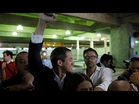 Στη Βενεζουέλα επέστρεψε ο Χουάν Γκουαϊδό