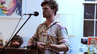 Gambar cover Vance Joy - Riptide (Live)