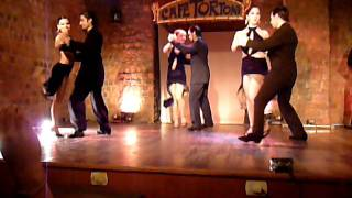 preview picture of video 'Traveling in Buenos Aires -  Café Tortony tango show'