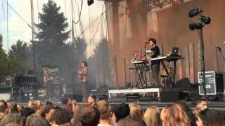 Milky Chance - Stunner (Live)