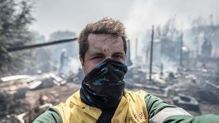 Chasing beauty among destruction: Meet wildfire photographer, Justin Sullivan