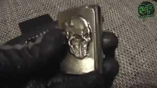 Zippo Vampire Skull Emblem / 2001323 Nr. 200 - Chrome Brushed