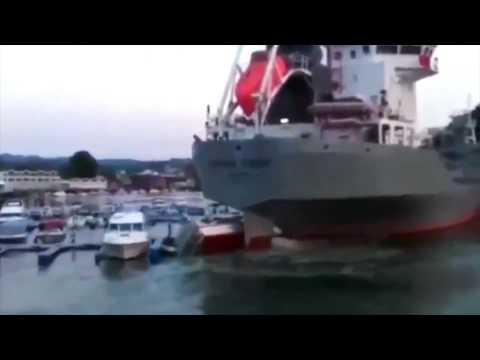 , title : 'крушения и аварии больших кораблей - ship crash compilation'