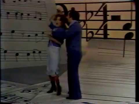 Bette Midler -  Love Will Keep Us Together  -  Neil Sedaka Special   1976