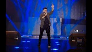 تحميل و مشاهدة تامر حسني يفاجئ الجمهور بأغنية بعيد عن عيني MP3