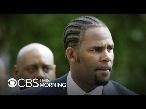 Women living with R. Kelly expected to attend his sex crimes hearing