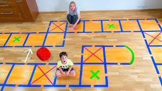 Света и Богдан играют в ГИГАНТСКУЮ ИГРУ! Кто выиграл ПРИЗ?