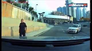 Kereta Peronda Polis Dirempuh