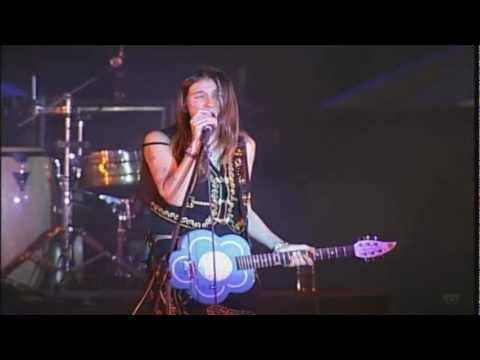 Aterciopelados -Florecita Rockera en vivo Festival Internacional Cervantino 2001