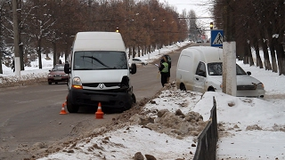 У Житомирі через зіткнення Daewoo та Renault зупинилися тролейбуси - Житомир.info