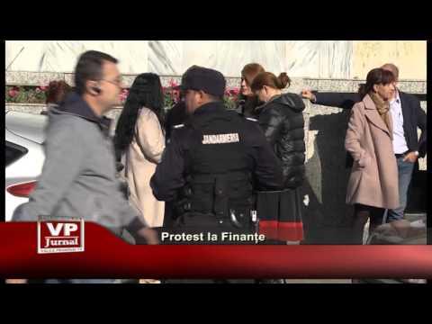 Protest la Finante