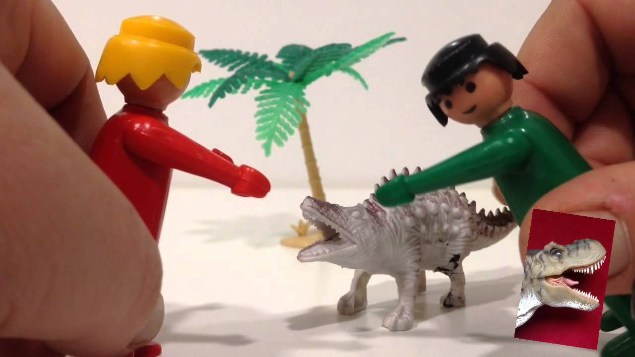 Clicks de Playmobil se compran un perro (dinosaurio)