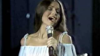"""Video thumbnail of """"Crystal Gayle - the woman in me"""""""