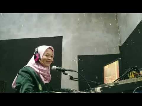 Penyiar Radio oleh Firsta Nindalia Wafiq Azizah (191420000402)