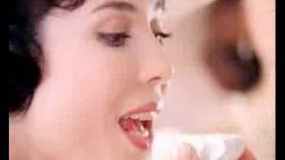 Глория Августинович, Глория Августинович в рекламном ролике (0:30)