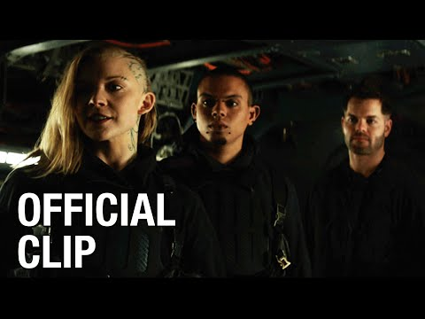 The Hunger Games: Mockingjay, Part 1 (Clip 'Meeting the Crew')