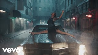 Music video by Taylor Swift performing Delicate. ©2018 Big Machine Label Group LLC  http://vevo.ly/hIoRmf