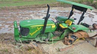 รถไถติดหล่มจมโคลนหนักมาก ทำไงให้ขึ้นมาดูกัน Tractor stuck in the mud | Che Chef