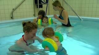 Babyschwimmen - Hirslanden & TeleZüri: Gesundheitssendung CheckUp