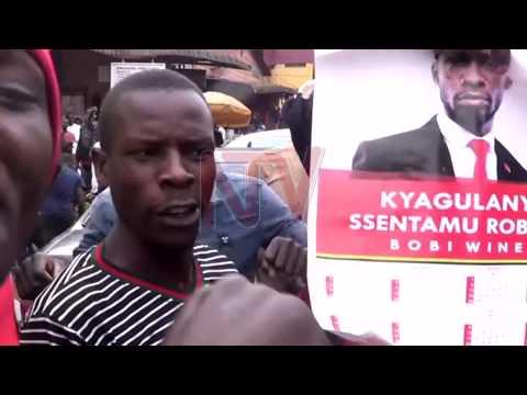 Poliisi ekubye ttiyaggaasi mu bawagizi ba Bobi Wine e Jinja