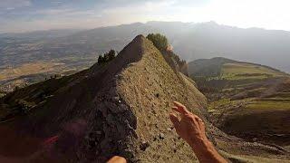 Ultimate Morning Run:Mountain Climber Runs On 2500m High Cliff Edges