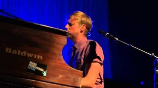 Andrew McMahon in the Wilderness - Rainy Girl