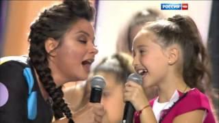 Наташа Королёва и Эрика Мустяца - Па-па-поздравляю (Рождественская песенка года 2016)