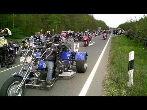 Fotoshow vom Motorradtreffen am 1. Mai 2010 in Nürnberg.