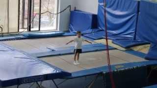 Второй юношеский разряд по прыжкам на батуте, тренер Мовчан Е.Д.