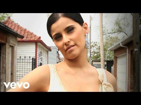 Música Bajo Otra Luz (feat. Nelly Furtado & La Mala Rodriguez)