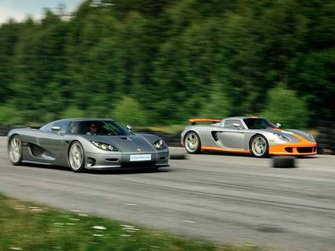 Porsche Carrera GT vs Koenigsegg CCR Evolution Drag Race
