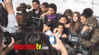 "Дети знаменитостей, Paris, Blanket and Prince at Michael Jackson ""The Immortal"" World Tour LV Premiere"
