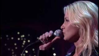 Faith Hill - Stronger (live @ David Letterman 03-10-07)