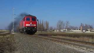 preview picture of video 'Lok 651 004 der GySEV (ex DR 132 598) am 16.02.2015 bei Csorna'