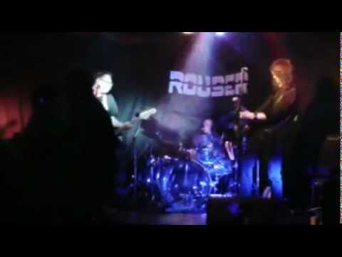 Rouser - Rocky Mountain Way (cover) Robb Tarr - Guitar and Vocal .avi
