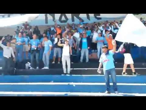 """Vamos celestes!"" Barra: Oleaje Norte • Club: Manta"