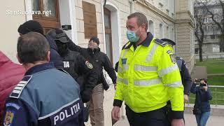 Polițiști și instructori auto reținuți în arest