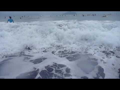 生死一瞬間 攝影師溺水(38秒處)