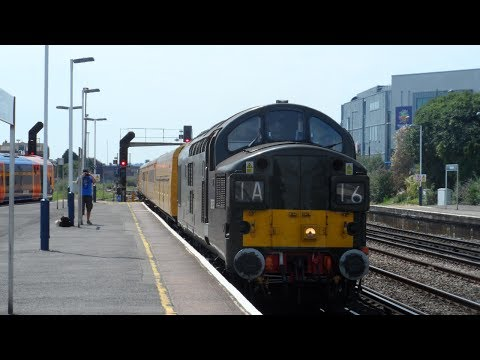 Colas Rail 37057 & 37116 pass Eastleigh working 6th July 201…