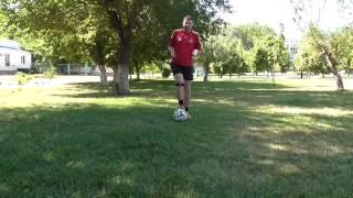 Как научиться обводить в футболе. Легкие финты. Марсельская рулетка.
