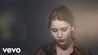 Tessa Ia   Ultravioleta (Lyric Video)