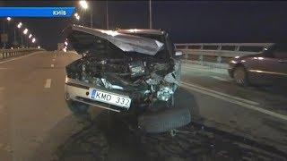 У Києві на мосту Гаванському мосту сталася серйозна ДТП