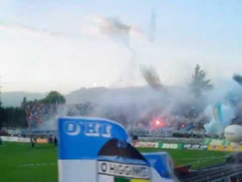 """""""Recibimiento equipo liguilla ascenso 2005."""" Barra: Trinchera Celeste • Club: O'Higgins"""
