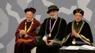 preview picture of video 'Zdeněk Svěrák přebírá čestný doktorát a Zlatou medaili Univerzity Hradec Králové'