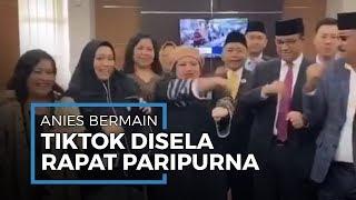 Main Tiktok Bareng Anggota DPRD, Gubernur Anies Tampak Kaku Joget Ubur-ubur