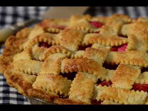Video Strawberry Rhubarb Pie Recipe Demonstration - Joyofbaking.com
